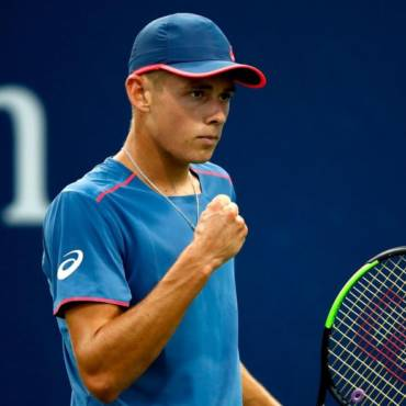Alex <b>DE MINAUR</b></br><small>Participation en 2012 / 2013 – <b>AUS</b></small>